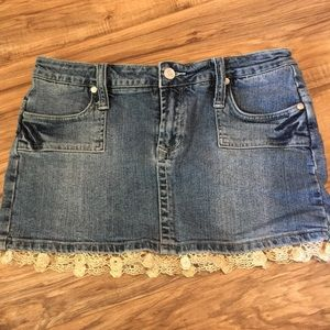 Sizzle denim skirt with lace detail
